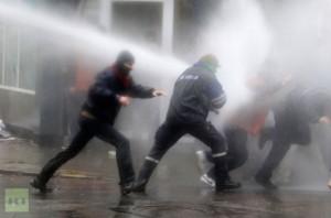 mittal-workers-liege-riot-301