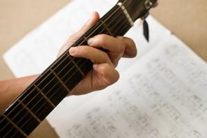 550px-Play-Guitar-Step-2