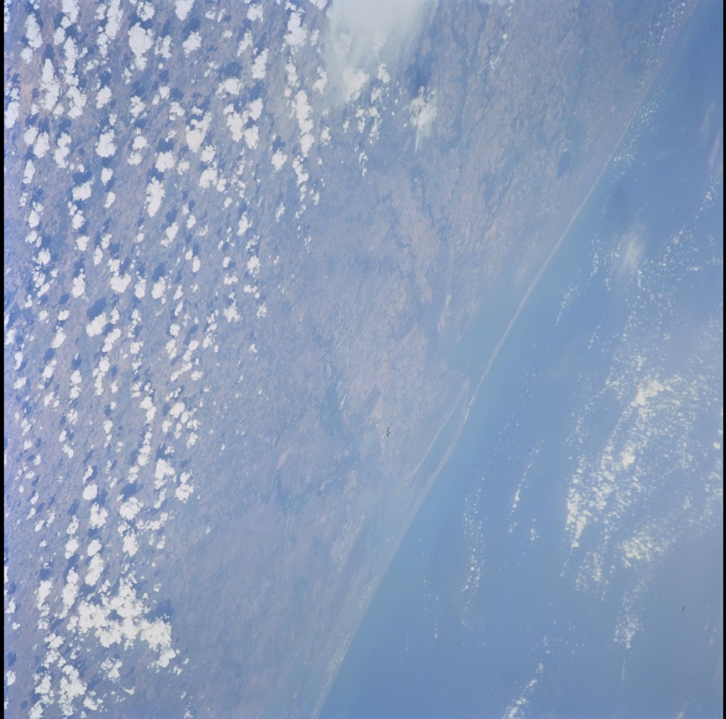 STS105-703-38_3