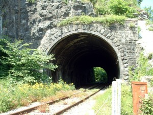 Bristol_ag_railway_tunnel_02