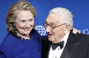 020513ClintonKissinger1