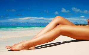 Beach-Sunbathing-Girl-1050x1680