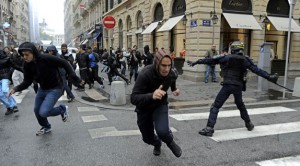 french_youth_riot-apha-101021