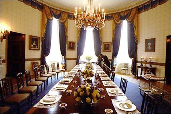The-white-house-dining-room-design-with-luxurious-high-class-material