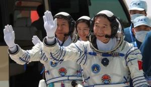 shenzhou9-crew-625x362