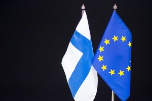 Finland+and+European+union+flag+65045