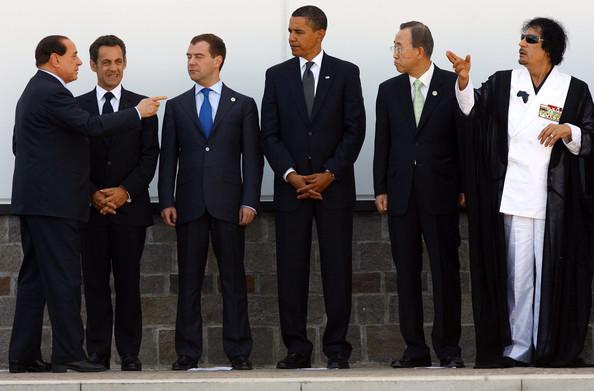 Barack+Obama+Muammar+al+Gaddafi+G8+L+Aquila+OiJa YE9jDrl1 David Icke'i sarkastiline kirjeldus maailmas toimuvast