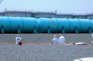 fukushima-storage-tanks-621x412
