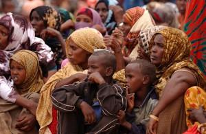 africa-ethiopia-travel-ethiopians-waiting-medical-lakerae