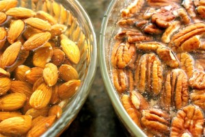 Soaking-Nuts