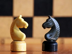 Chess-figures-horse-black-white
