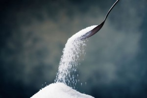 sugar-spoon-pour