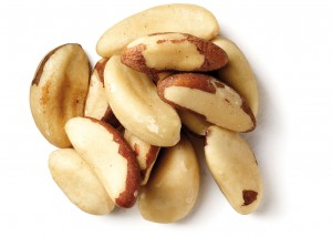 brazilnuts 300x213 Parapähkel aitab kilpnäärme alatalitluse ja nahaprobleemide korral