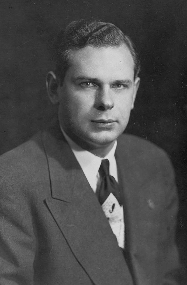Paul_Hellyer_1940s