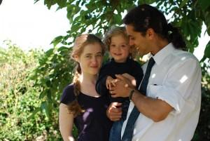 André, tema abikaasa Pauline ja nende poeg Antonin aastal 2012