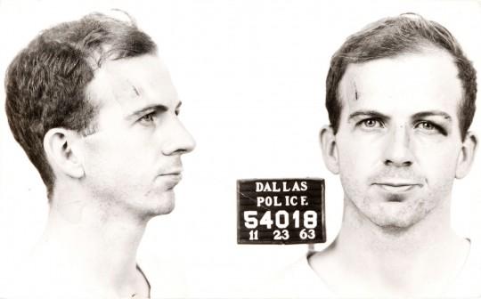Lee_Harvey_Oswald_arrest_card_1963-540x336