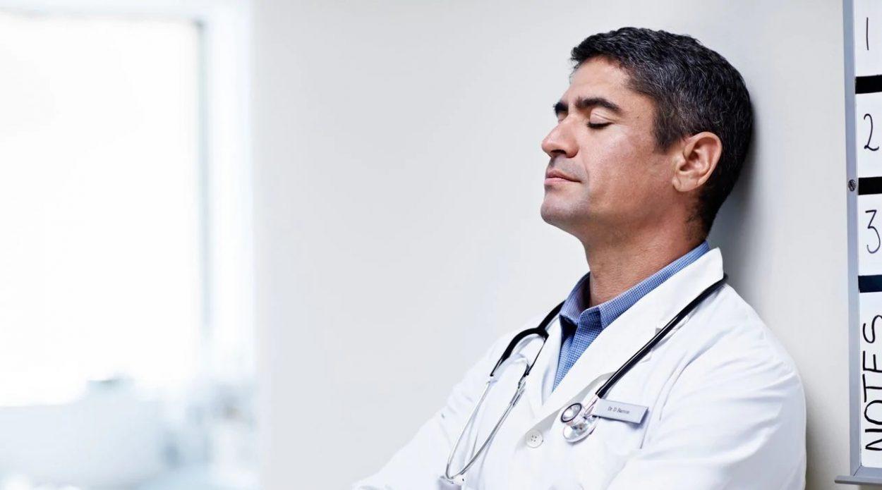 Arstid, palun avage oma silmad, sest me vajame teid!